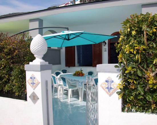 Appartamenti Ischia e Bed and Breakfast - 30,00 EURO PER PERSONA ...